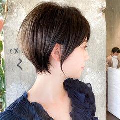 流し前髪 ショート 大人ショート ショートヘア ヘアスタイルや髪型の写真・画像