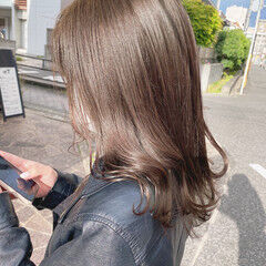 シアーベージュ モカベージュ ガーリー セミロング ヘアスタイルや髪型の写真・画像