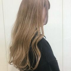 ミルクティー 姫カット ハイトーン ロング ヘアスタイルや髪型の写真・画像