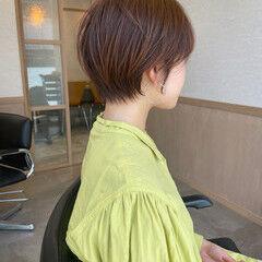 ショートヘア デート 大人かわいい ナチュラル ヘアスタイルや髪型の写真・画像
