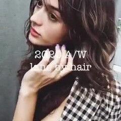 ナチュラル ラベージュ セミロング ミルクティーベージュ ヘアスタイルや髪型の写真・画像