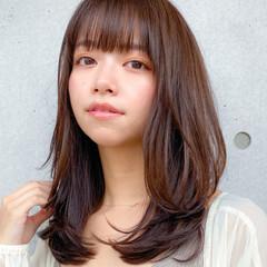 小顔 コンサバ ミディアム レイヤー ヘアスタイルや髪型の写真・画像