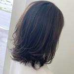 ショートボブ 巻き髪 切りっぱなしボブ ショートヘア
