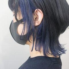 ミディアム インナーカラー ウルフカット ウルフレイヤー ヘアスタイルや髪型の写真・画像