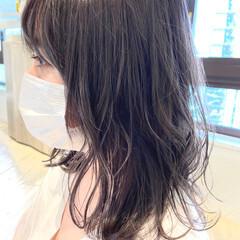 ダークトーン ダークアッシュ ミディアム ブリーチ ヘアスタイルや髪型の写真・画像
