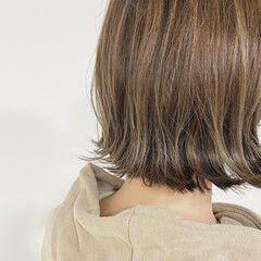 ミニボブ 切りっぱなしボブ ナチュラル 極細ハイライト ヘアスタイルや髪型の写真・画像