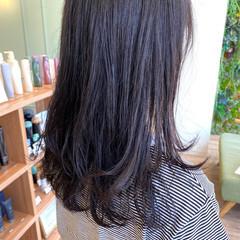 ゆるふわパーマ シルバーグレージュ モテ髪 ダークトーン ヘアスタイルや髪型の写真・画像