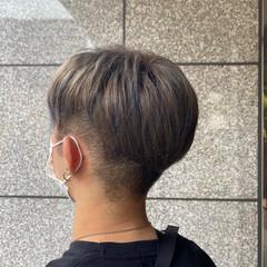 ショート シルバーグレージュ アッシュグレージュ メンズヘア ヘアスタイルや髪型の写真・画像