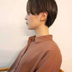 地毛風カラー ナチュラル ショート マッシュショート ヘアスタイルや髪型の写真・画像