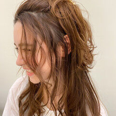 ヘアアレンジ ナチュラル 前髪アレンジ ロング ヘアスタイルや髪型の写真・画像