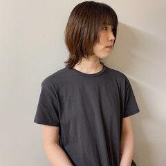 ミディアムヘアー ライフスタイル ナチュラル ウルフカット ヘアスタイルや髪型の写真・画像