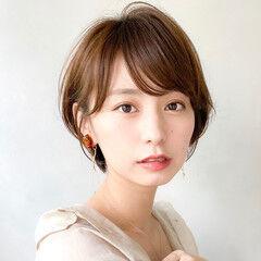 透明感カラー ショートボブ インナーカラー 丸みショート ヘアスタイルや髪型の写真・画像