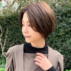 オリーブカラー 簡単スタイリング ナチュラル 透明感カラー ヘアスタイルや髪型の写真・画像