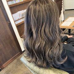 3Dハイライト コントラストハイライト ハイライト ミディアム ヘアスタイルや髪型の写真・画像