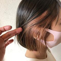 インナーカラー ピンクラベンダー ピンクベージュ フェミニン ヘアスタイルや髪型の写真・画像