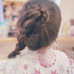 キッズ ナチュラル 女の子 お団子アレンジ ヘアスタイルや髪型の写真・画像