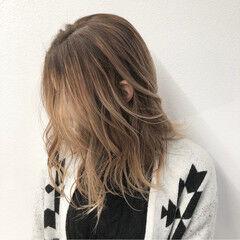 バレイヤージュ 成人式 ミディアム ストリート ヘアスタイルや髪型の写真・画像