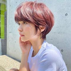 ハイトーンカラー ショートヘア インナーカラー ブリーチカラー ヘアスタイルや髪型の写真・画像