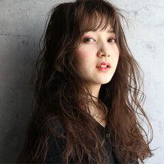 ロング 大人かわいい 濡れ髪スタイル フェミニン ヘアスタイルや髪型の写真・画像