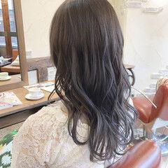 透明感カラー ロング カーキアッシュ ブリーチ ヘアスタイルや髪型の写真・画像