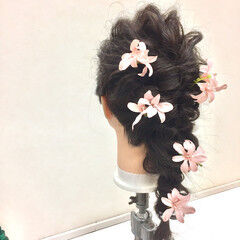 フェミニン ヘアアレンジ ディズニー 結婚式 ヘアスタイルや髪型の写真・画像