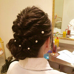 パールアクセ くるりんぱ 結婚式 ヘアアレンジ ヘアスタイルや髪型の写真・画像