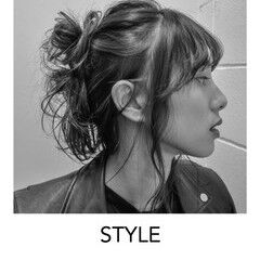 セミロング ナチュラル ヘアアレンジ 原宿 ヘアスタイルや髪型の写真・画像