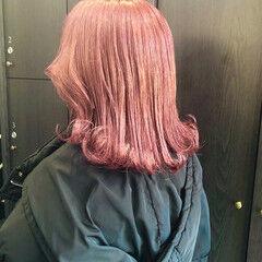 ラズベリーピンク ガーリー ミディアム ピンクバイオレット ヘアスタイルや髪型の写真・画像