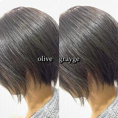 ヘアカラー ショート オリーブアッシュ オリーブグレージュ ヘアスタイルや髪型の写真・画像