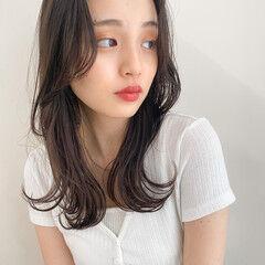 韓国ヘア ダークアッシュ ミディアム レイヤーカット ヘアスタイルや髪型の写真・画像