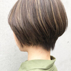 小顔ヘア ショート 女っぽヘア ナチュラル ヘアスタイルや髪型の写真・画像