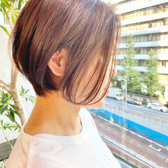 ベリーショート ナチュラル ゆるふわ オフィス ヘアスタイルや髪型の写真・画像