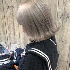 シルバー ブリーチカラー ブリーチ ガーリー ヘアスタイルや髪型の写真・画像