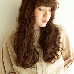 くせ毛風 大人かわいい ウェットヘア ナチュラル ヘアスタイルや髪型の写真・画像