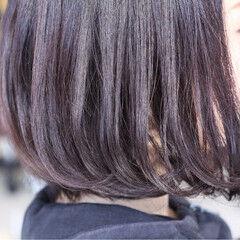 逆三角形 レッド マルサラ ボブ ヘアスタイルや髪型の写真・画像