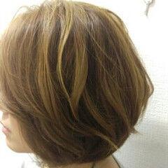 ハイトーン ショート ハイライト イエローアッシュ ヘアスタイルや髪型の写真・画像