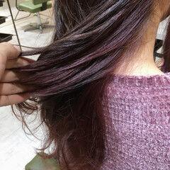 ロング フェミニン ピンクバイオレット インナーカラー ヘアスタイルや髪型の写真・画像