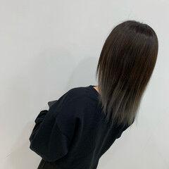 ストレート ストリート ミディアム ブリーチ ヘアスタイルや髪型の写真・画像