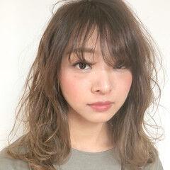 外国人風カラー ナチュラル デジタルパーマ ミディアム ヘアスタイルや髪型の写真・画像