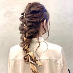 スカーフアレンジ 簡単ヘアアレンジ ヘアアレンジ ナチュラル ヘアスタイルや髪型の写真・画像