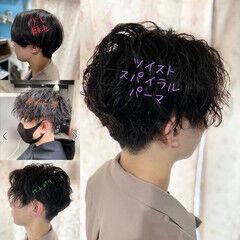 ショート ストリート スパイラルパーマ ツーブロック ヘアスタイルや髪型の写真・画像