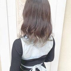 グラデーションカラー 透明感カラー インナーカラー ミディアム ヘアスタイルや髪型の写真・画像