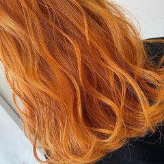 バレイヤージュ グレージュ セミロング オレンジカラー ヘアスタイルや髪型の写真・画像