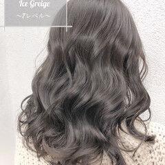 セミロング グレージュ イルミナカラー アッシュグレージュ ヘアスタイルや髪型の写真・画像