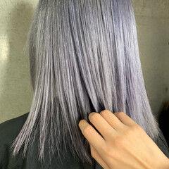 アッシュグレージュ グレー ホワイトシルバー ホワイトベージュ ヘアスタイルや髪型の写真・画像