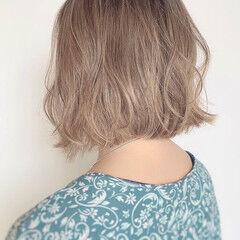 ブリーチオンカラー ボブ バレイヤージュ クリーミーカラー ヘアスタイルや髪型の写真・画像