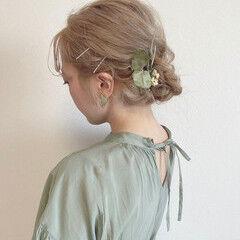ホワイトベージュ ブリーチオンカラー ミディアム ヘアアレンジ ヘアスタイルや髪型の写真・画像