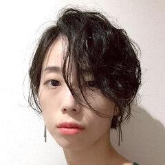 黒髪 パーマ 大人遊び心満点アシメヘアー ショート ヘアスタイルや髪型の写真・画像