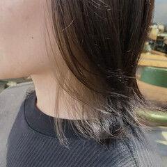 艶カラー イヤリングカラーベージュ ラベンダーカラー ラベンダーアッシュ ヘアスタイルや髪型の写真・画像
