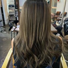 外国人風カラー 透明感カラー ロング ストリート ヘアスタイルや髪型の写真・画像
